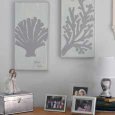 Make Art! Simple DIY to create art for your walls. Illustrated instructions to make coral paintings|Home Decor Ideas