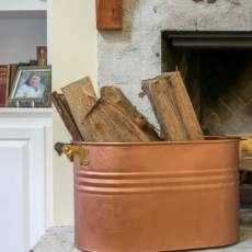 Use Modern Masters paint and primer to upcycle & put faux copper finish on old metal tub, turning it into a beautiful 'copper' wash tub for your home decor. Easy DIY Project!