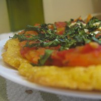 {Life Lesson from Pizza} Easier-is-better Cornmeal Pizza Crust with Boozy Heirloom Tomato Sauce and Crispy Kale