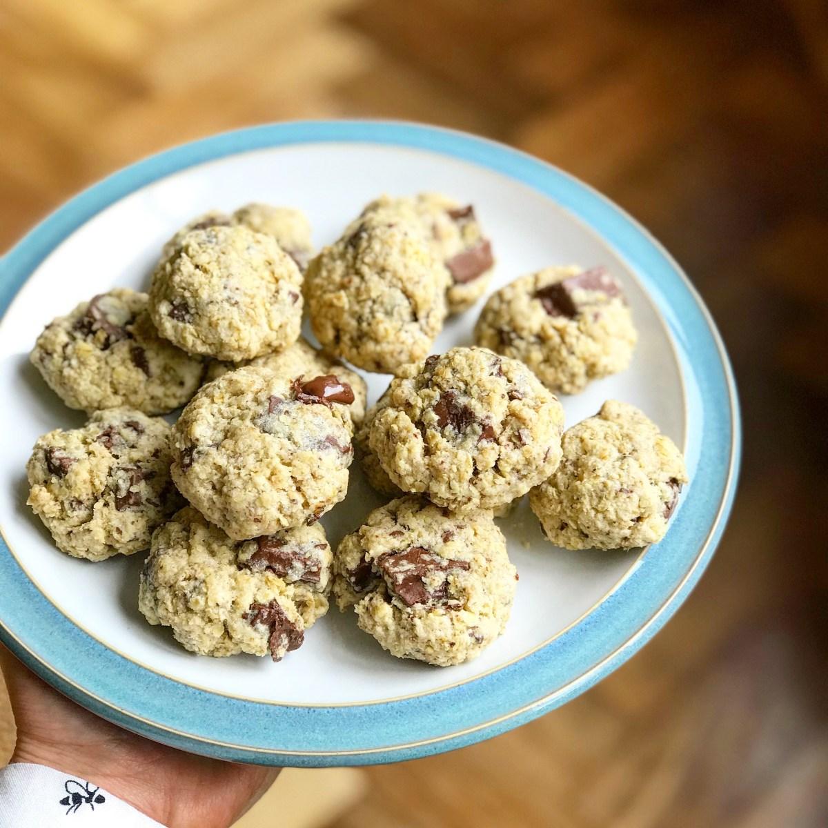 Chocolate Chunk Oat Cookies