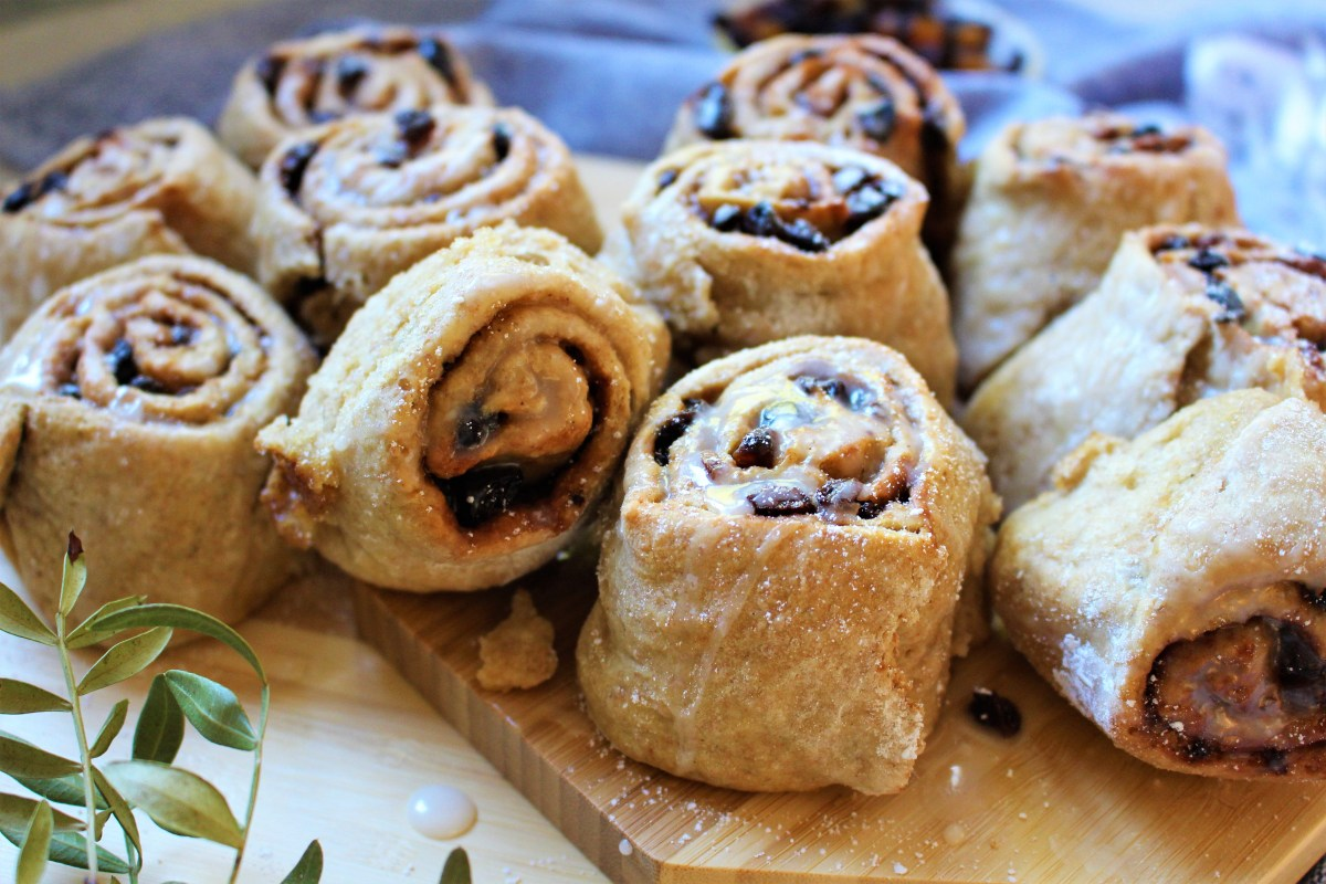 Mince Pie Cinnamon Rolls