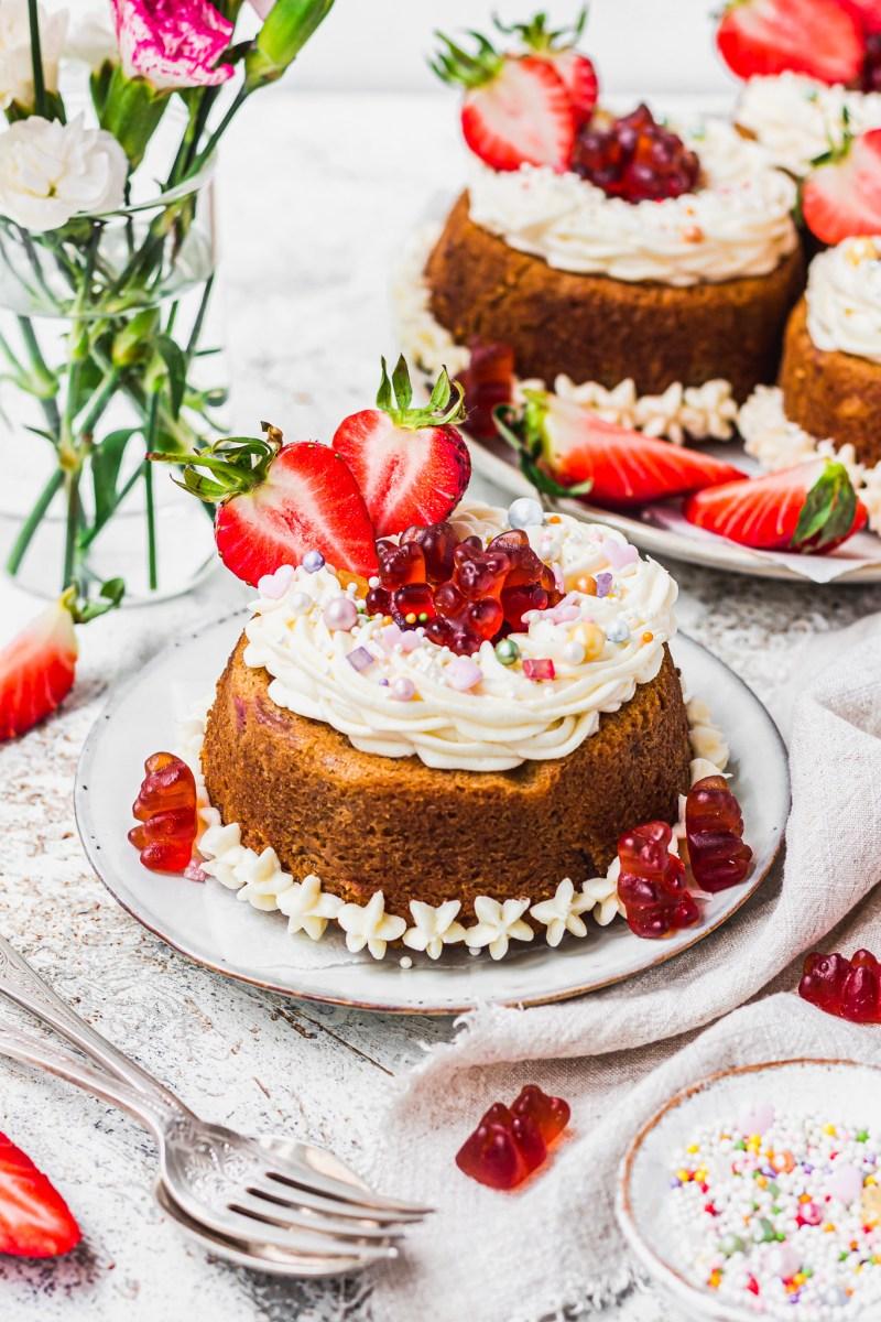 Vegan Vanilla and Strawberry Cakes