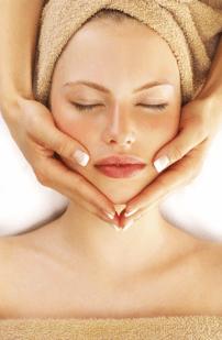 Natural skincare gifts - Suki Balancing Facial