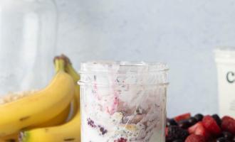 Overnight Oats | www.nourishnutritionblog.com