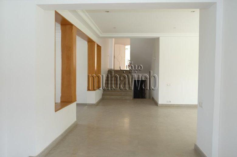 villa-750-m²-5-chambres-chauffage-central-piscine_17984029