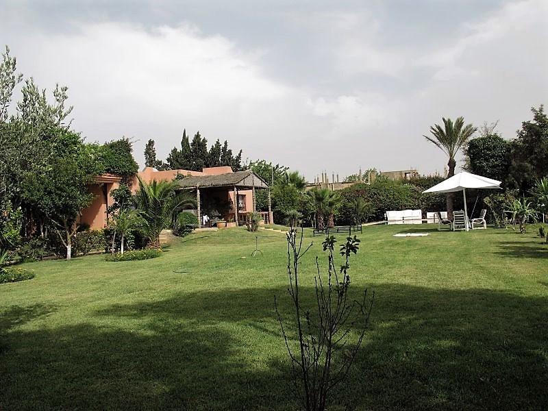 Location d'une très jolie villa située a GreenTown Bouscoura
