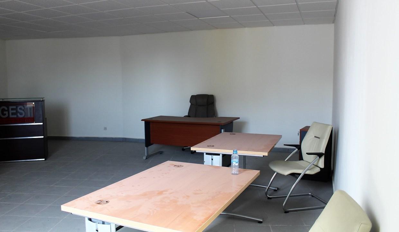 différents bureaux modernes à louer