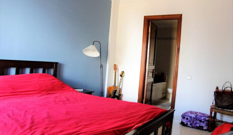 à louer parfait appartement familial sans aucun vis a vis dans résidence bourgeoise.