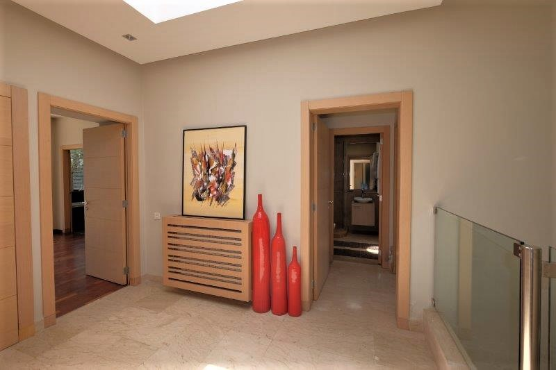 à acheter Villa  haut standing construite sur un terrain de 520 m²
