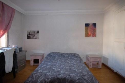 quartier bourgeois unique et rare (secteur Moulay Youssef) logement à vendre dans un immeuble très résidentiel.