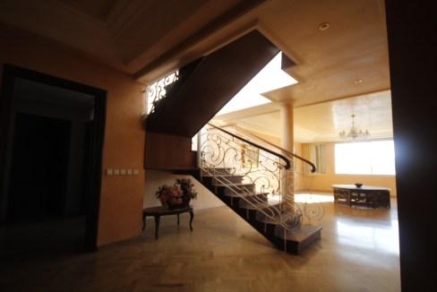 Bld Massira al Khadra vend 290 m² logement en dernier étage avec très grande terrasse très ensoleillé