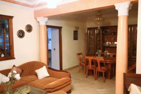 à louer confortable logement meublé d'une superficie totale habitable de 160 m²