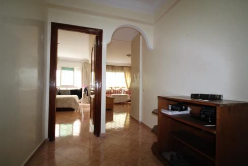 a-louer-parfait-meuble-2-chambres-avec-balcon-dans-rue-calme-003-min