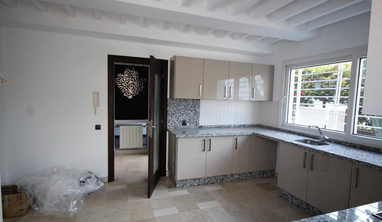 ain-diab-loue-villa-d-angle-moderne-de-4-chambres-vue-mer-029