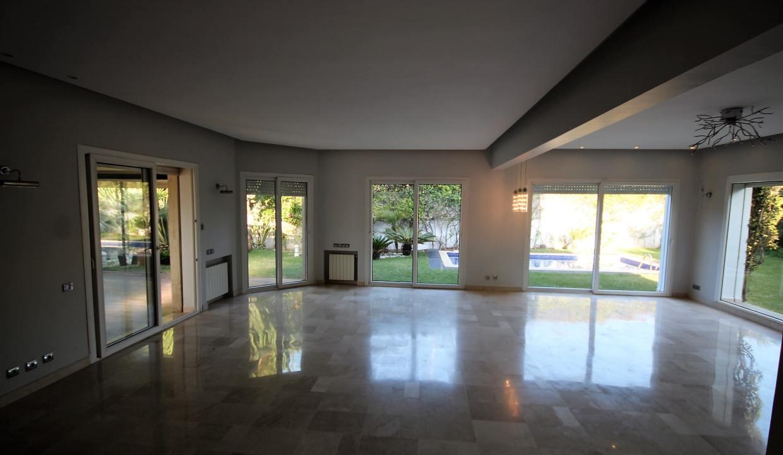 ain-diab-loue-villa-d-angle-moderne-de-4-chambres-vue-mer-06