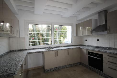 ain-diab-loue-villa-d-angle-moderne-de-4-chambres-vue-mer-08