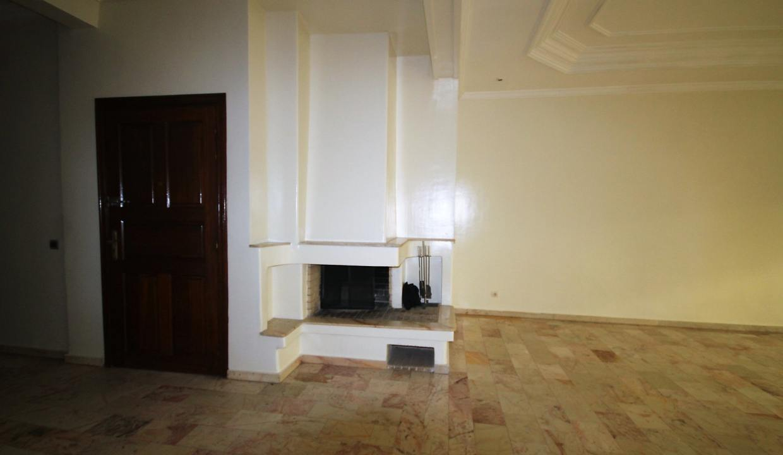 secteur-abdelmoumen-a-louer-vaste-appartement-3-chambres-de-160m2-010