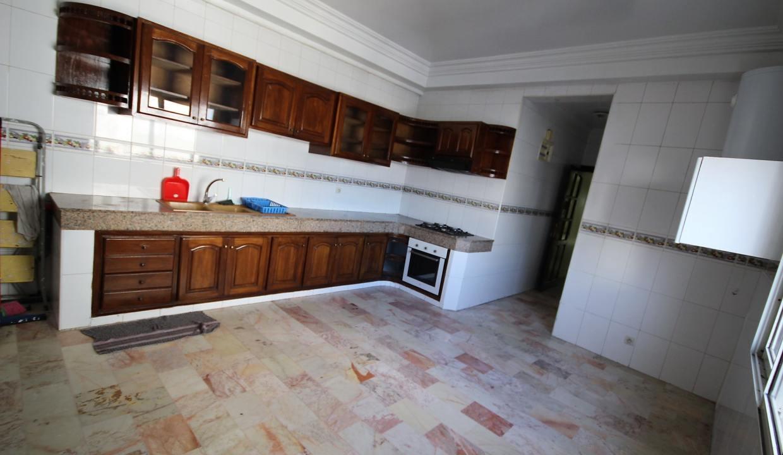 secteur-abdelmoumen-a-louer-vaste-appartement-3-chambres-de-160m2-012