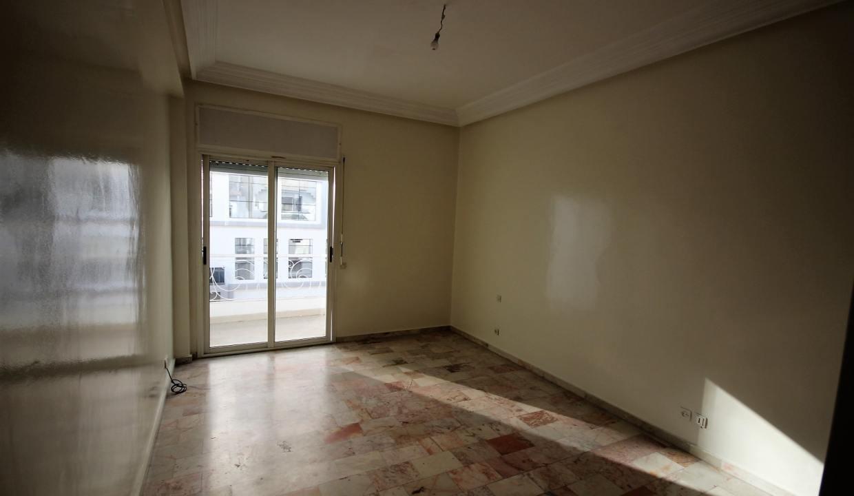 secteur-abdelmoumen-a-louer-vaste-appartement-3-chambres-de-160m2-014