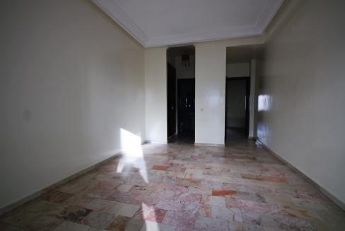 secteur-abdelmoumen-a-louer-vaste-appartement-3-chambres-de-160m2-016