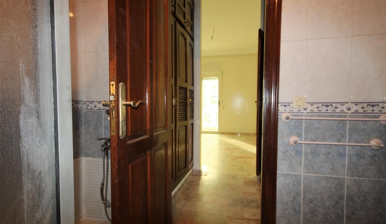 secteur-abdelmoumen-a-louer-vaste-appartement-3-chambres-de-160m2-021