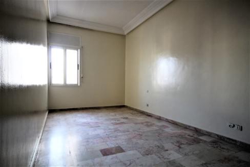 secteur-abdelmoumen-a-louer-vaste-appartement-3-chambres-de-160m2-025