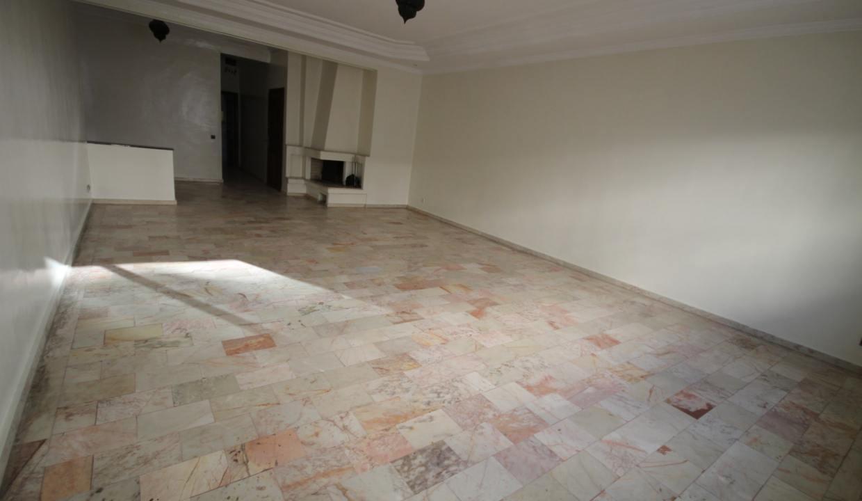 secteur-abdelmoumen-a-louer-vaste-appartement-3-chambres-de-160m2-05