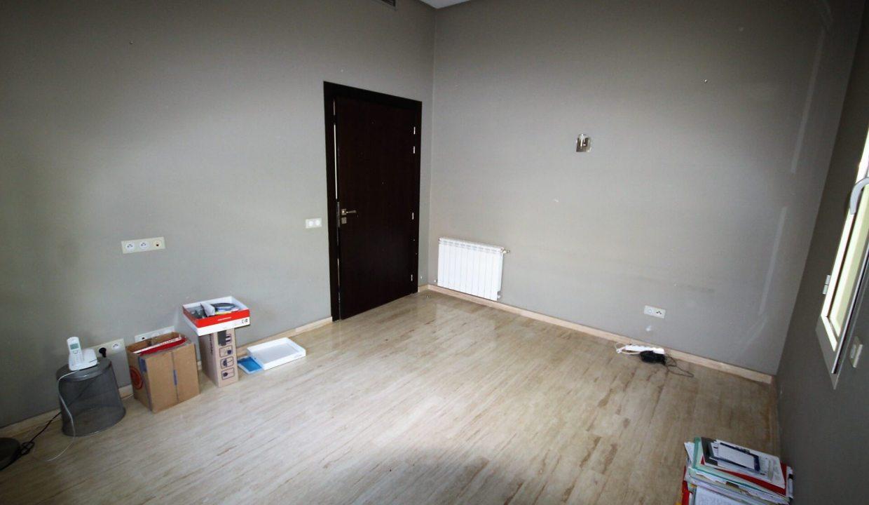 villa-de-5-chambres-a-louer-vide-ou-meublee-sur-terrain-371-m2-surface-habitable-400-m2-010