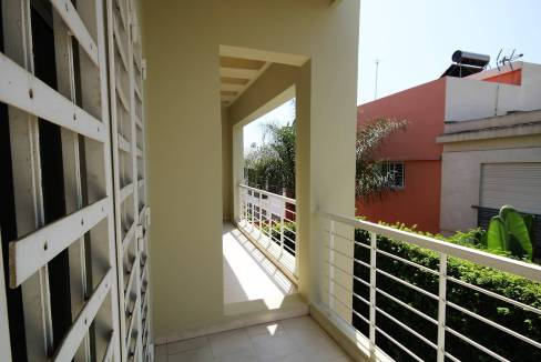 villa-de-5-chambres-a-louer-vide-ou-meublee-sur-terrain-371-m2-surface-habitable-400-m2-015
