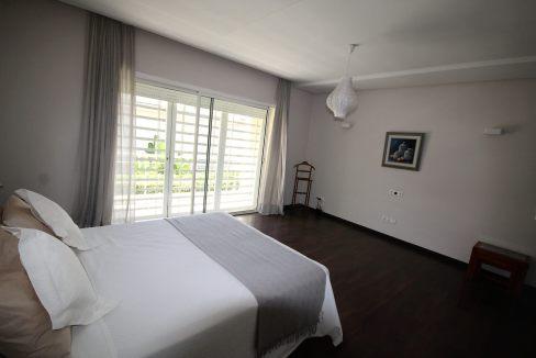 villa-de-5-chambres-a-louer-vide-ou-meublee-sur-terrain-371-m2-surface-habitable-400-m2-022