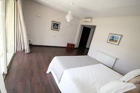villa-de-5-chambres-a-louer-vide-ou-meublee-sur-terrain-371-m2-surface-habitable-400-m2-023
