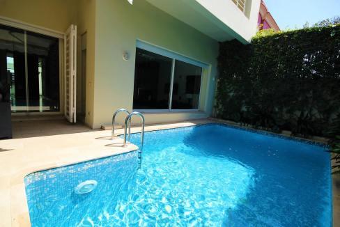 villa-de-5-chambres-a-louer-vide-ou-meublee-sur-terrain-371-m2-surface-habitable-400-m2-03