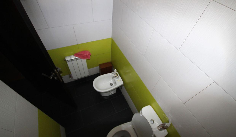 villa-de-5-chambres-a-louer-vide-ou-meublee-sur-terrain-371-m2-surface-habitable-400-m2-032