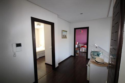 villa-de-5-chambres-a-louer-vide-ou-meublee-sur-terrain-371-m2-surface-habitable-400-m2-033