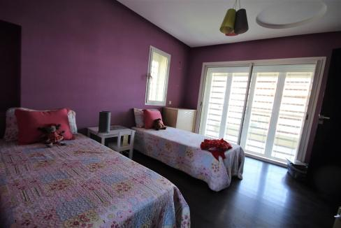 villa-de-5-chambres-a-louer-vide-ou-meublee-sur-terrain-371-m2-surface-habitable-400-m2-036