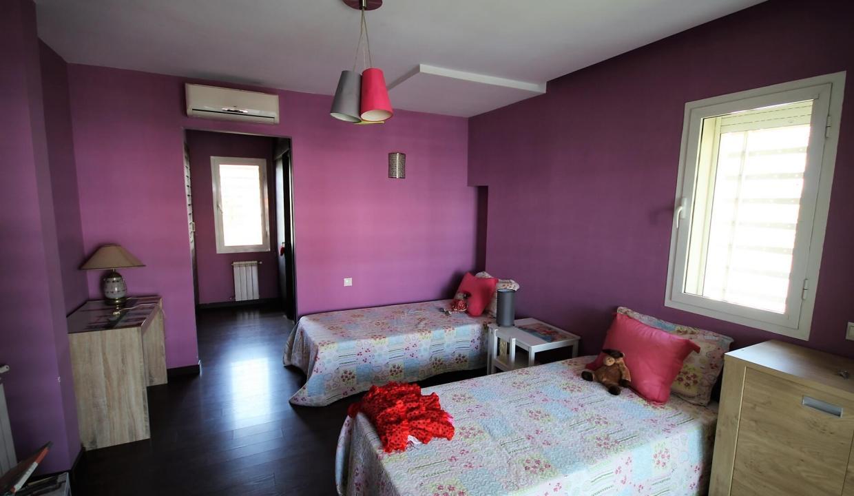 villa-de-5-chambres-a-louer-vide-ou-meublee-sur-terrain-371-m2-surface-habitable-400-m2-038