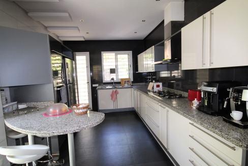 villa-de-5-chambres-a-louer-vide-ou-meublee-sur-terrain-371-m2-surface-habitable-400-m2-07