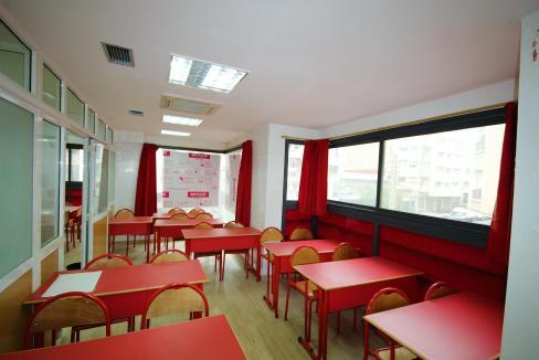 plateau-de-bureau-dans-immeuble-professionnel-006