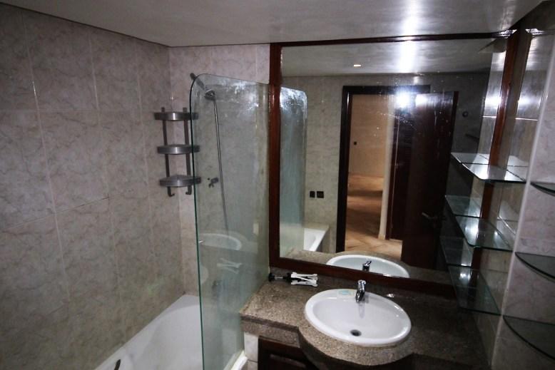 salle de bains appartement nourreska casablanca