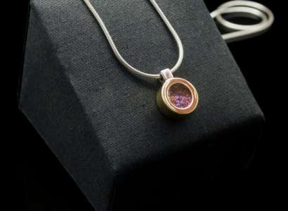 Silver Pendant with 18k Yellow Gold and Fancy Sapphire (PN121 rd)
