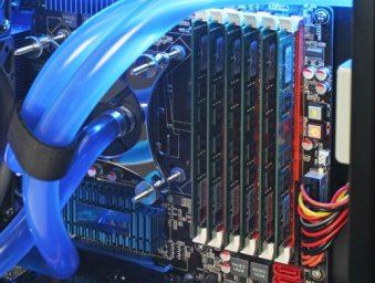 six mémoires 8go DDR3