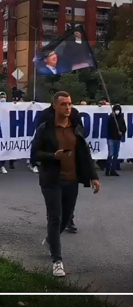OTKRIVENO: Naprednjaci davali 2000 srednjoškolcima da brane Vučića po ulicama Novog Sada! 1
