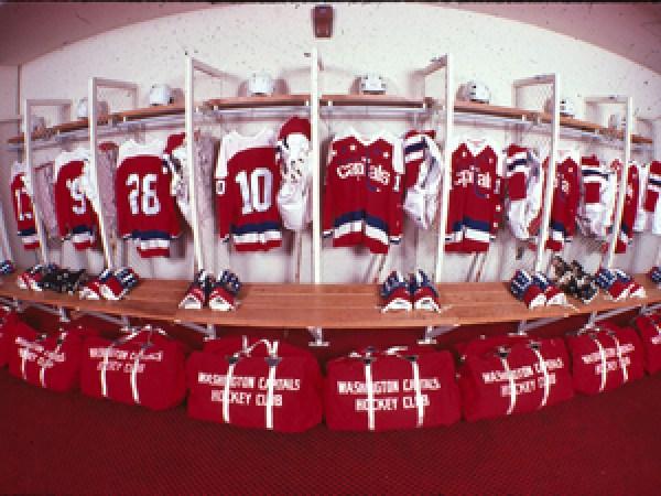 1974_lockerroom