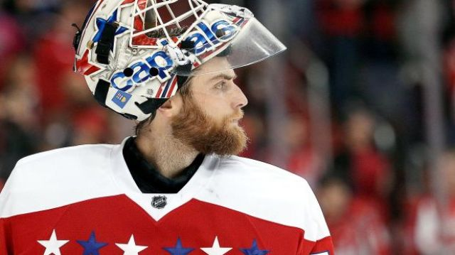 braden-holtby-washington-capitals-side