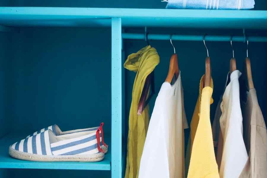 organize your custom closet hangar