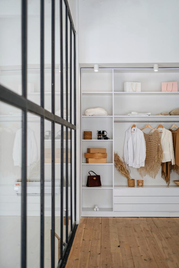 walk in closet layout