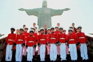 Pueri cantores dos Arautos do Evangelho - Coro São Gabriel no Cristo Redentor DSC_0021