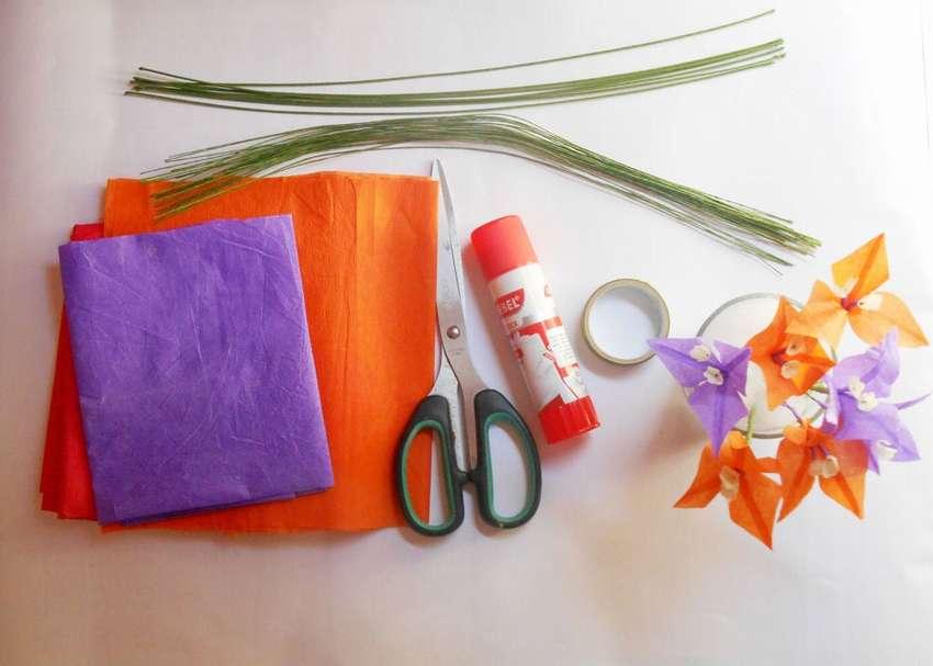 Πώς να φτιάξετε ένα λουλούδι χρωματιστές χαρτοπετσέτες