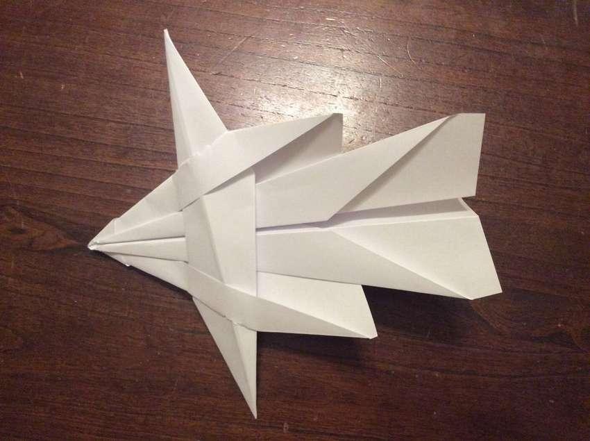 оригинальная модель бумажного самолетика