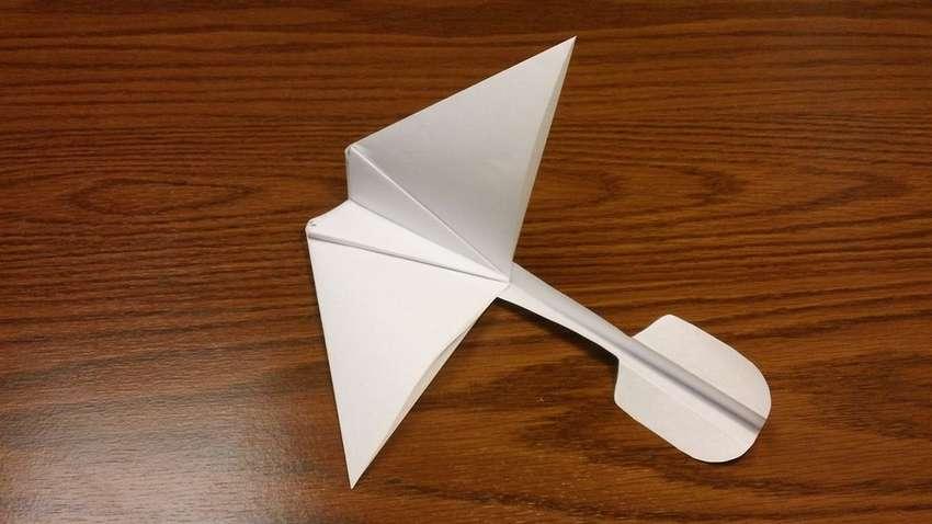 Оригами қағазды планер